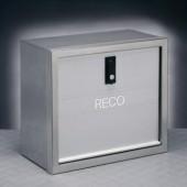 70041005 Cassa porta attrezzi Cornice inox satinata Sportello in alluminio anodizzato Corpo in lamiera pre-zincata e verniciata metallizzata DIM.40X30